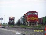 NS ES40DC 7643 & BNSF GP60M 153