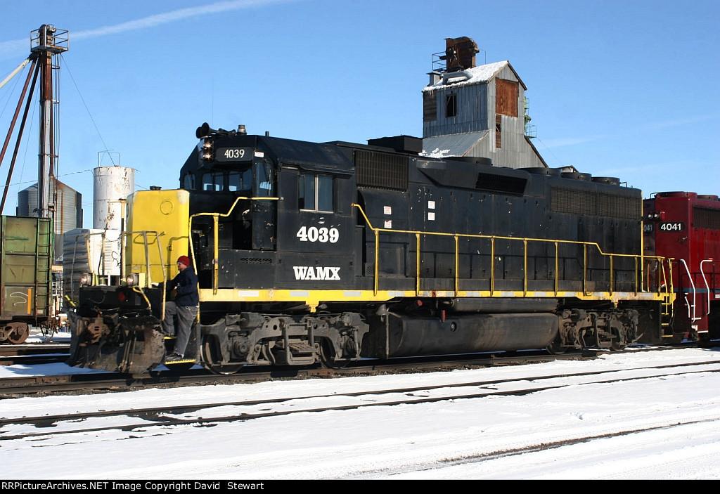 WAMX GP40-3 4039