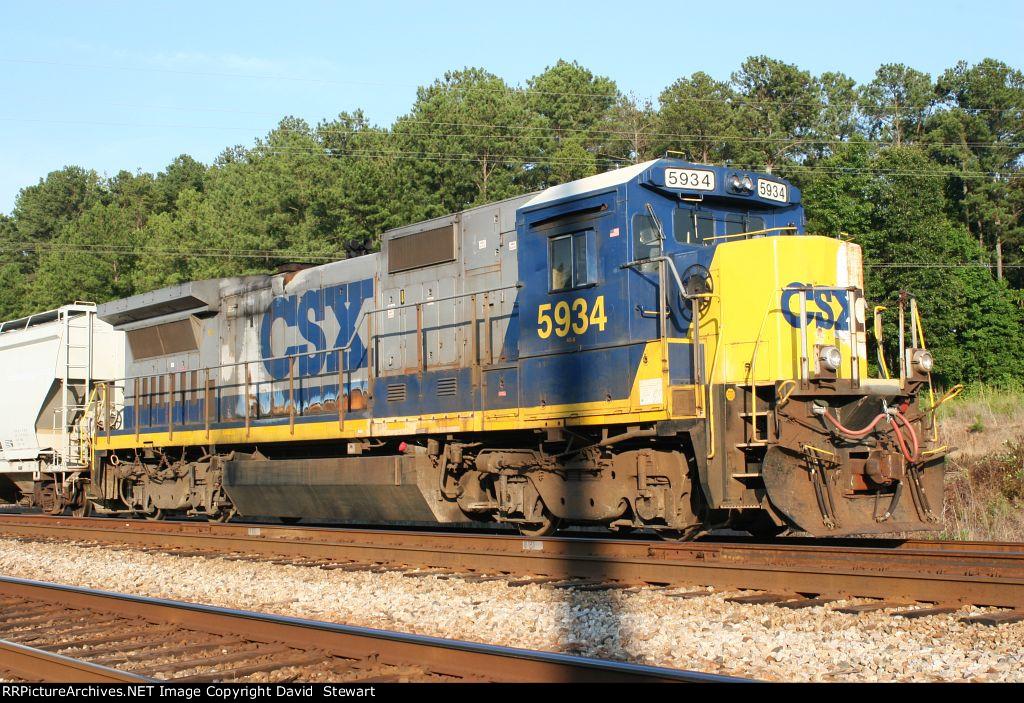 CSX B40-8 5934