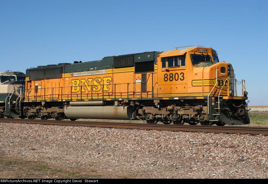BNSF SD70MAC 8803