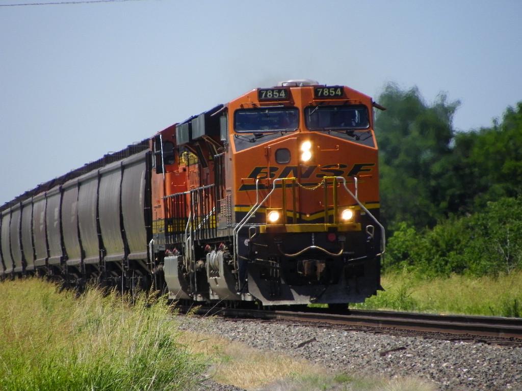 BNSF ES44DC 7854
