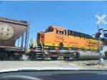 BNSF ES44DC 7646