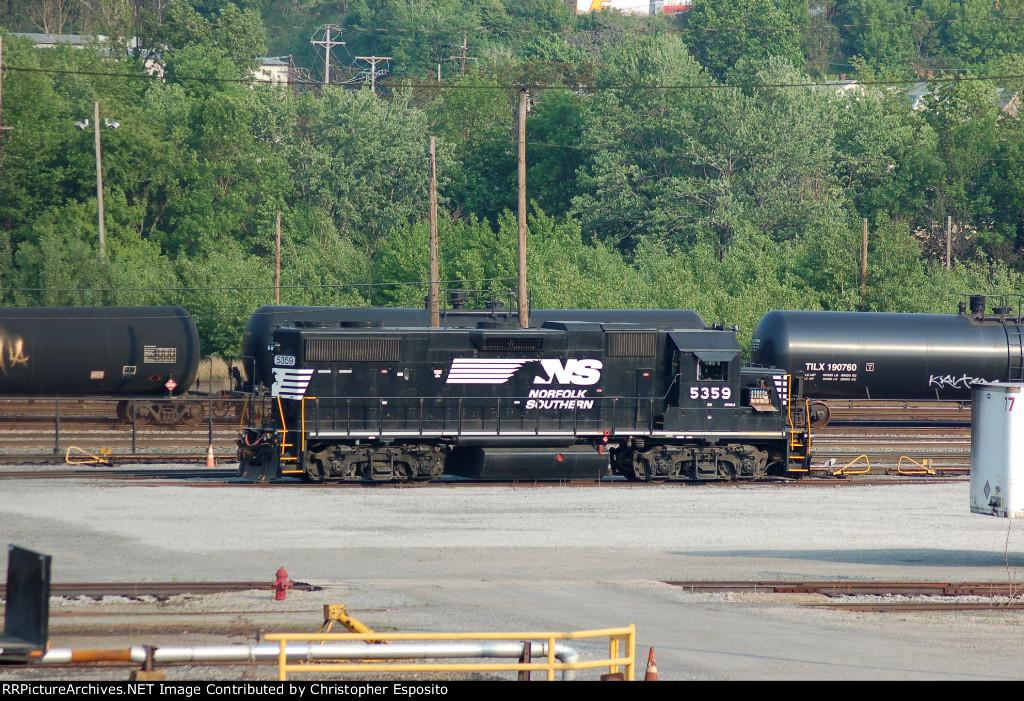 NS GP38-2 5359