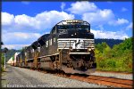 NS SD70M-2 2723 leads 26T