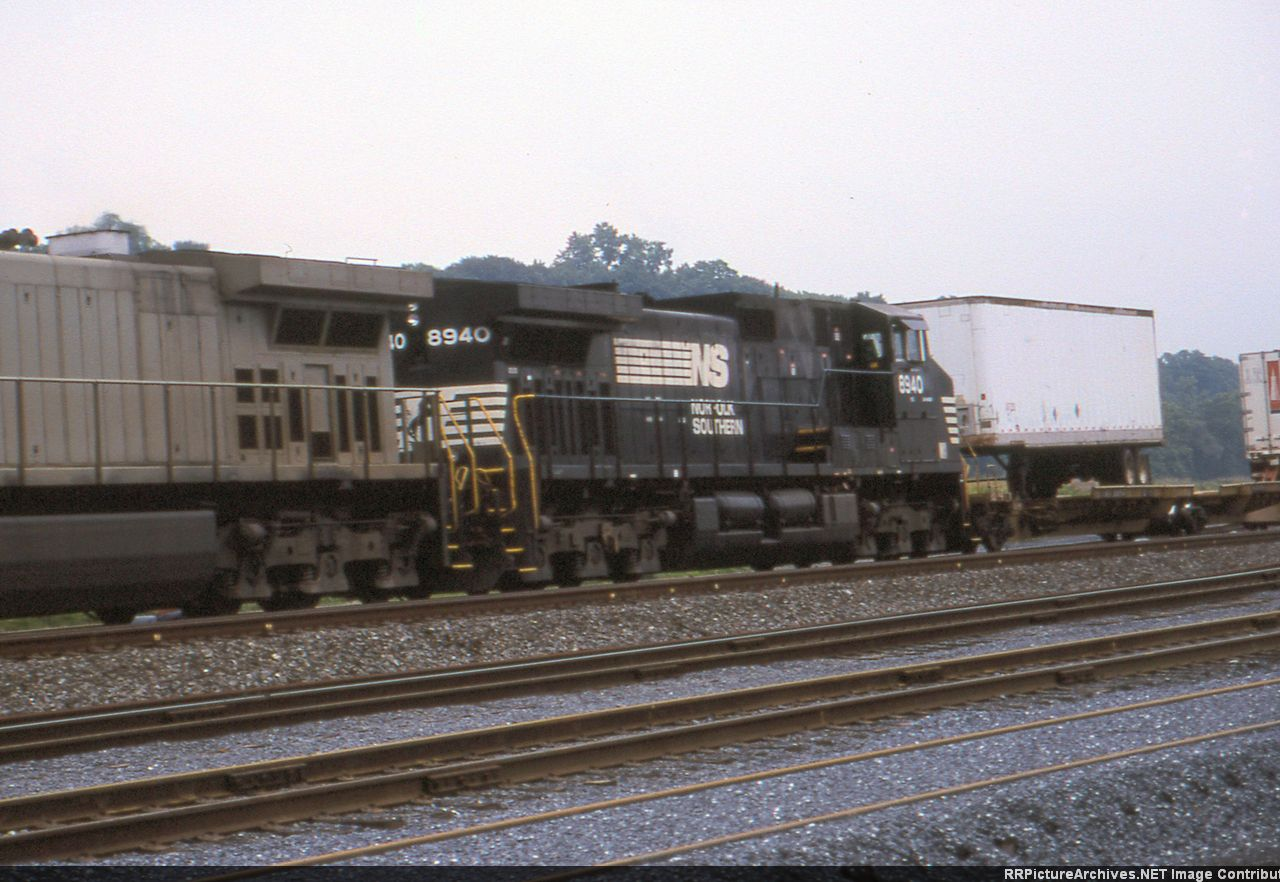 NS 8940