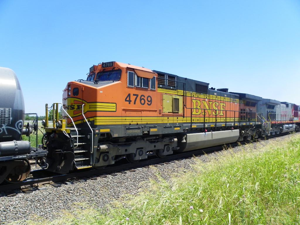 BNSF C44-9W 4769