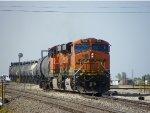 BNSF ES44DC 7326