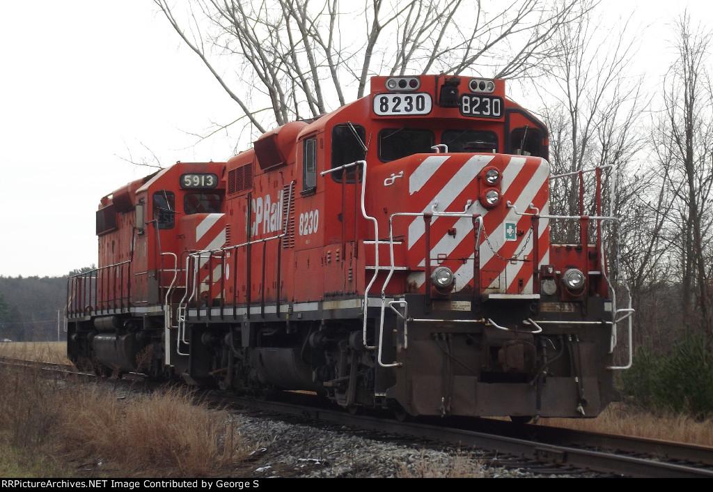 CP GP9u and SD40-2