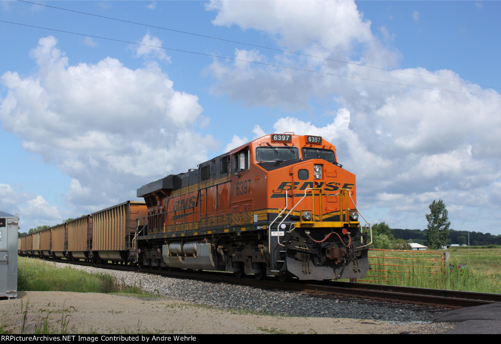 BNSF 6397 is the DPU on 811