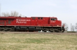 CP 8787 leads another eastbound, unit grain #398