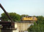 Run-through UP power on EB oil train 602 approaches KK Bridge