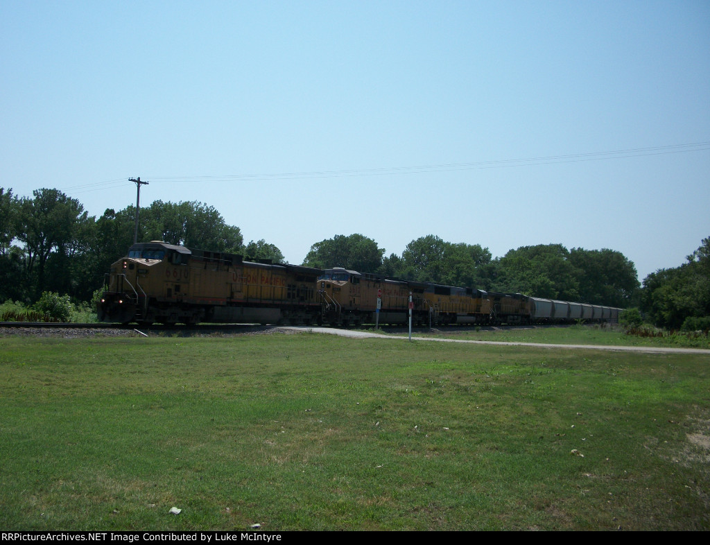 UP 6610 eastbound UP loaded soda ash train