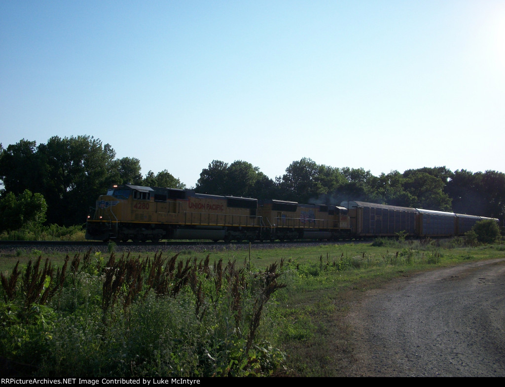 UP 4280 eastbound UP intermodal train