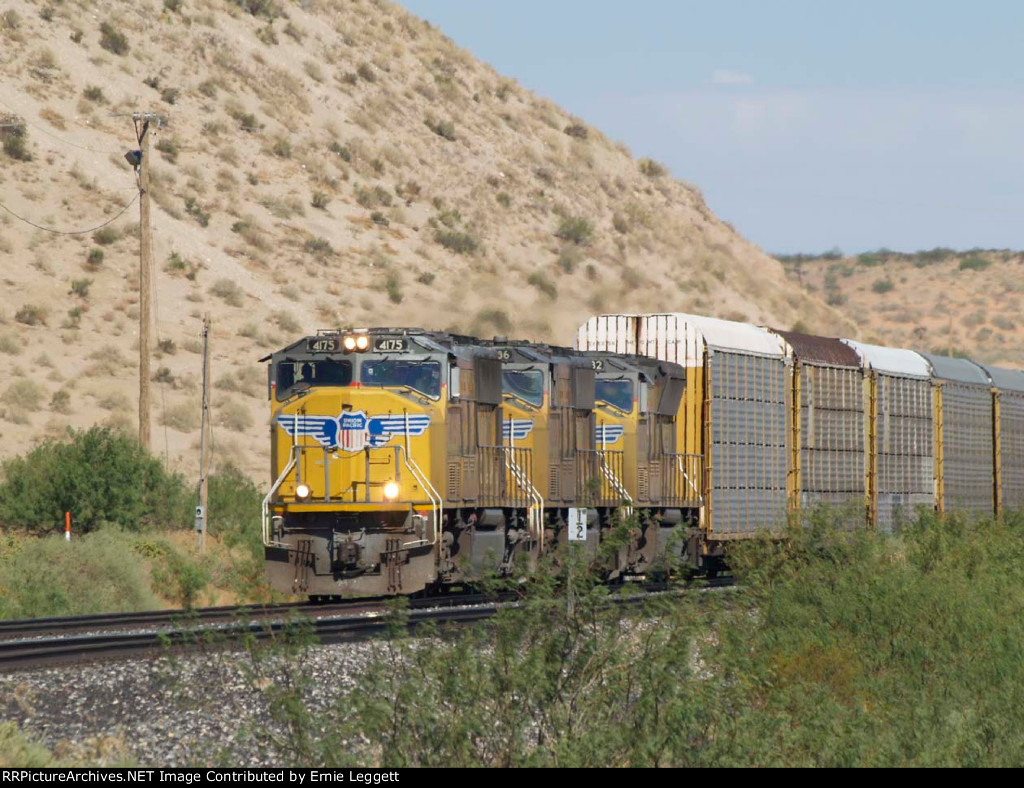 UP 4175 leads an EB doublestack at 9:44am