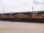 UP 4072 #3 power in a WB doublestack (IEWLB) at 11:52am