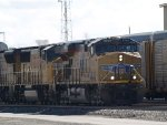 UP 5540 leads a WB doublestack (IMNLB) at 10:32am