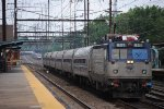 3 trains in Metuchen