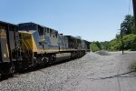 CSX 4503 and CSX 510 heading to tunnel