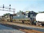 HLCX 5966 (ex-UP/CNW) on NS 174