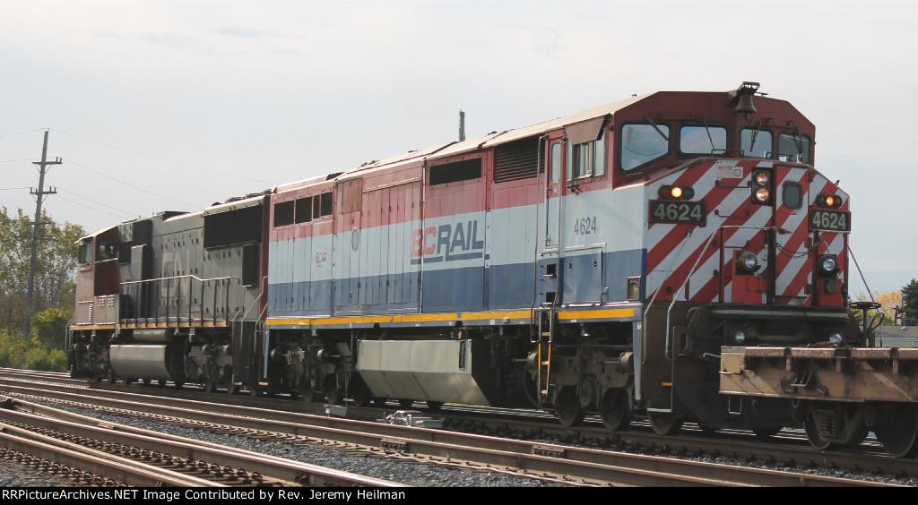 CN 5757 & BCOL 4624 (3)