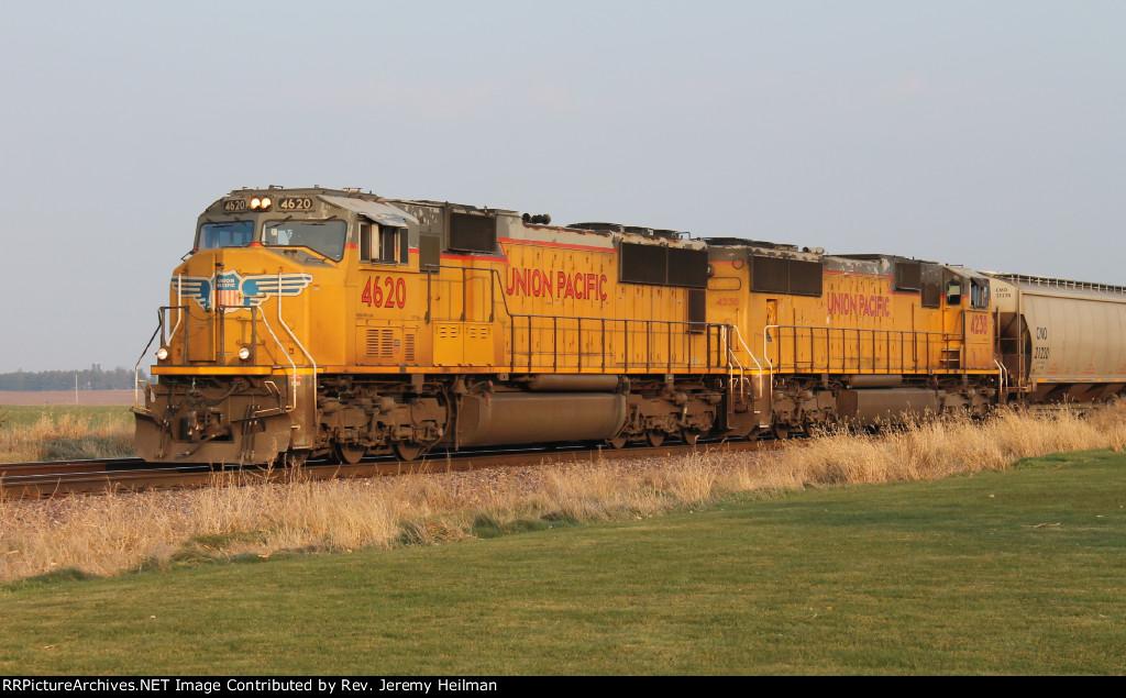UP 4620 & 4238 (1)