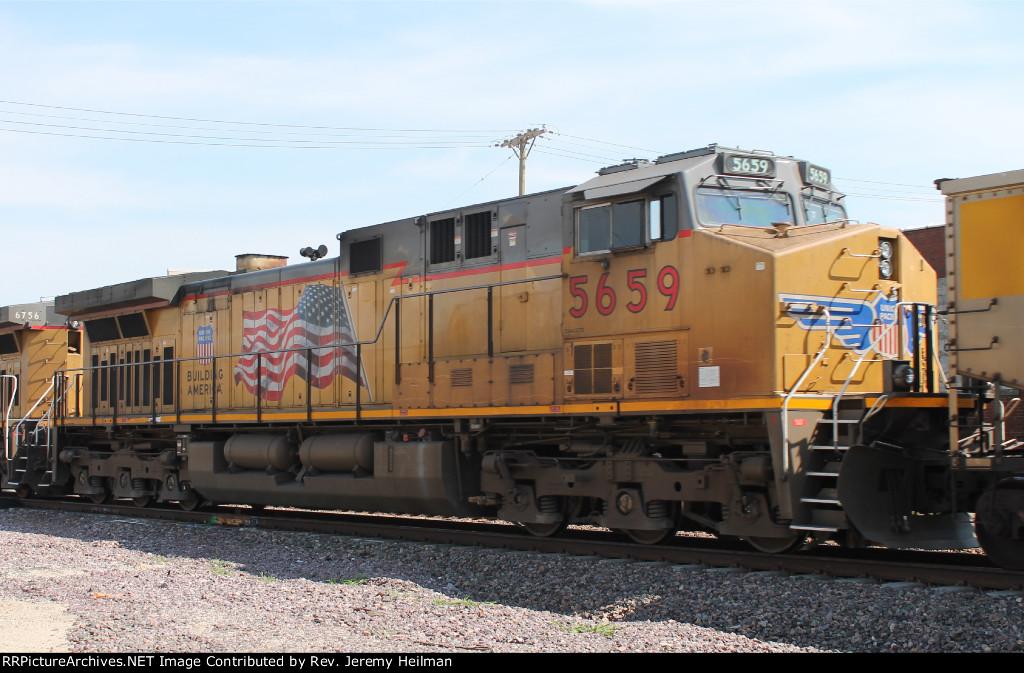 UP 5659 (2)
