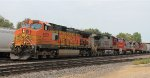 BNSF 5272 & others (2)