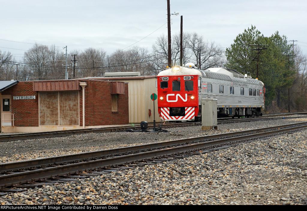 CN 1501