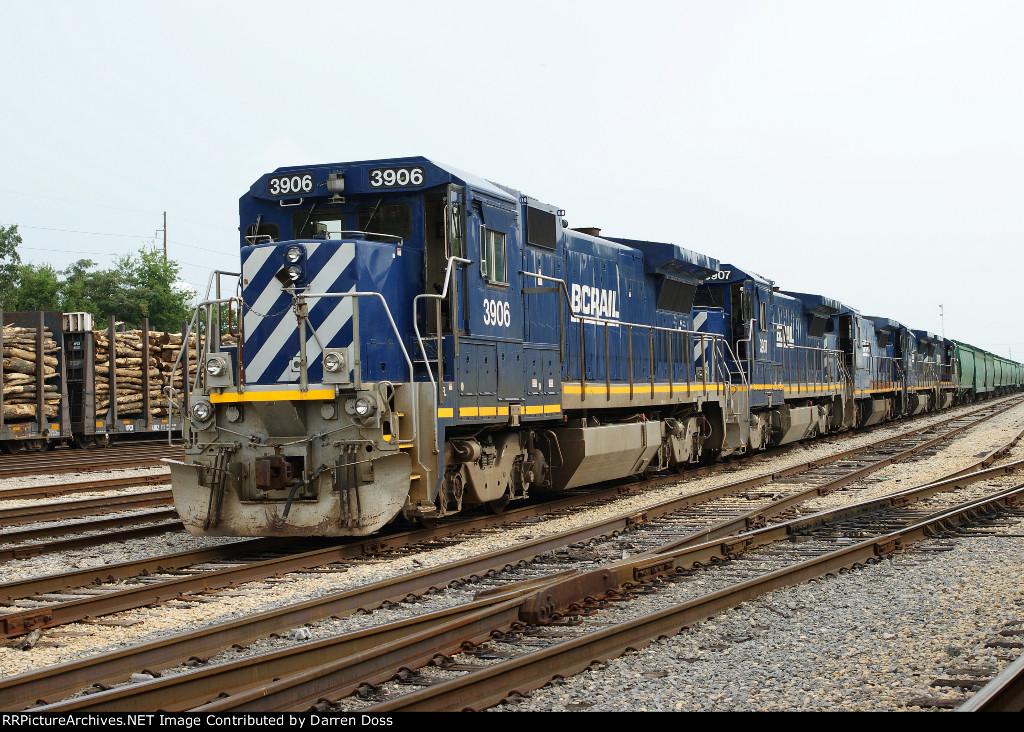 BC Rail 3906, 3907, 3903, 3908, 3905 at Fulton, Ky