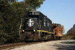 IC 3120 with caboose