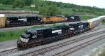 NS Autorack meets NS Manifest at Tift St