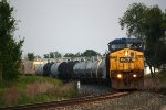 CSX 9043 rolls west with Q335-05
