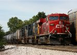 CP 8761 leads W6T into the yard