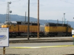 HLCX 6254 and UP 3319