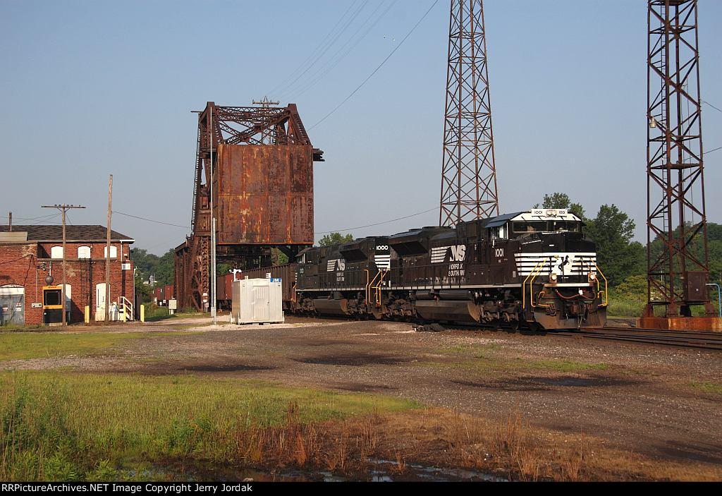 NS 63Z crossing Ashtabula River at JM drawbridge