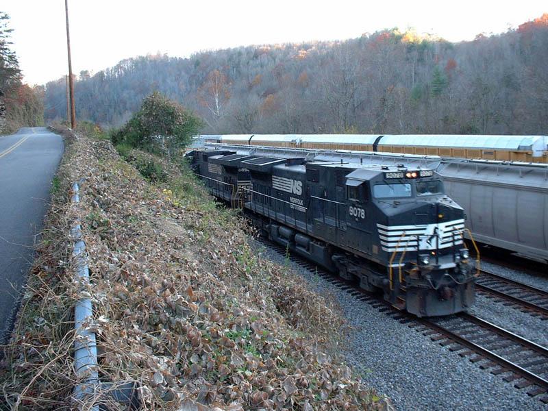 NS Train 196-04