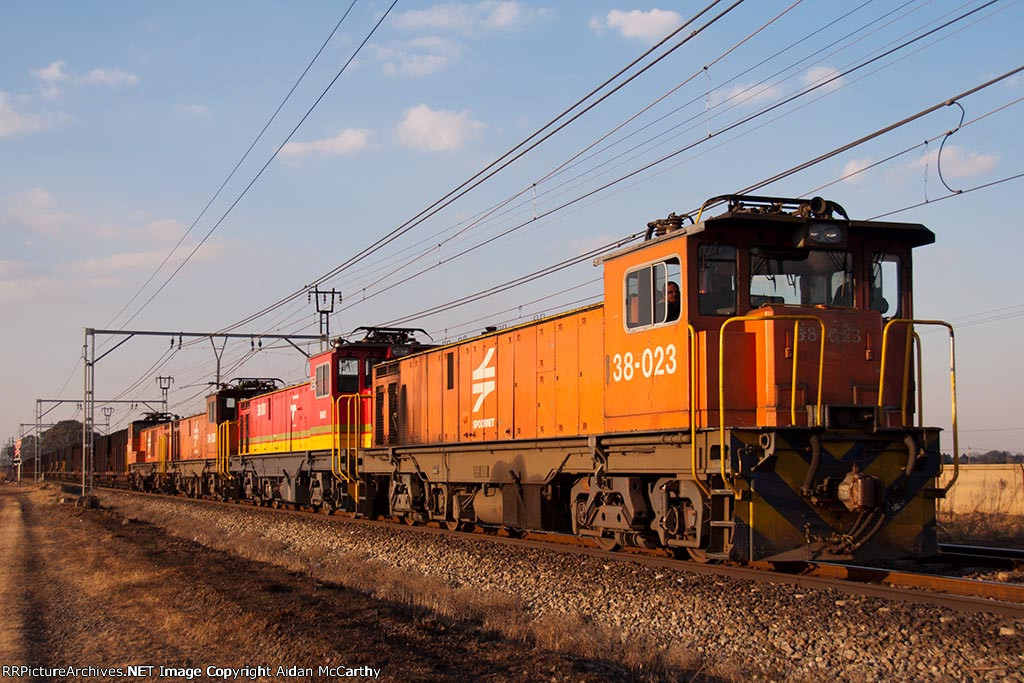 38 class locomotives leaving Redan