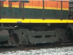 BNSF 3535, close-up of front right truck