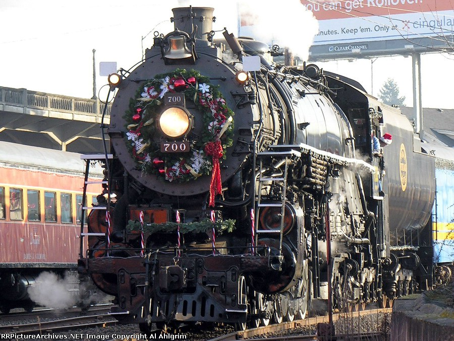 SPS 700 Christmas Train