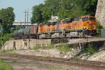 BNSF 7242 coming through the Gooseneck