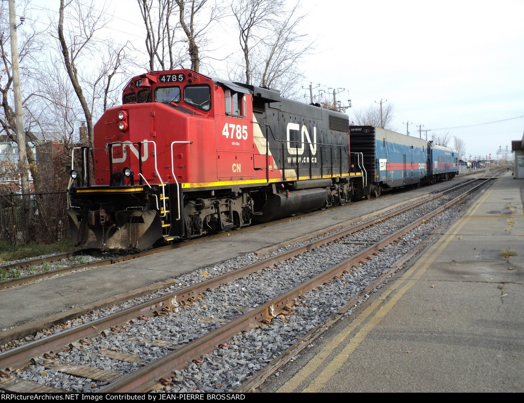 CN 4785 a GP 38-2W