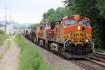 Westbound BNSF Freight Heads out of La Crosse Yard on its Journey up River
