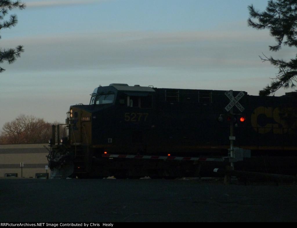 CSX 5277 leads Q008 in Blauvelt!