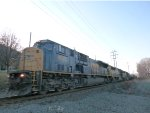 CSX 4595 leads Q409 in Haverstraw