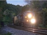 CSX 5437 leads the charge of Q409 right at dusk