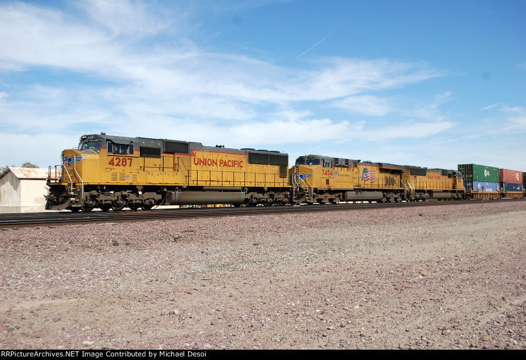 UP SD-70M #4287 leads a westbound stack train