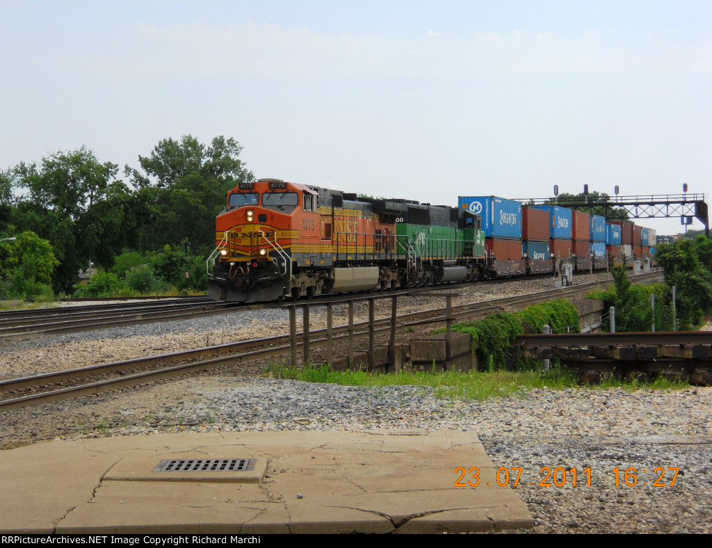 BNSF 4775