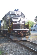 NS 5343 sits on the mainline in Delmar,De