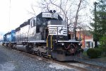 NS 3389 & 3371 sit on the mainline Delmar,De