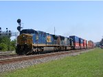 CSX 578 (AC4400CW) leads yet another intermodel through Berea.